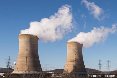 Công nhân nhà máy hạt nhân. 82.500 USD/ năm. Làm việc trong những cơ sở công nghệ cao đòi hỏi một chút kiến thức và ý thức đảm bảo an toàn. Chính vì thế, những người làm việc tại đây luôn phải tuân thủ nghiêm ngặt tất cả các quy trình.
