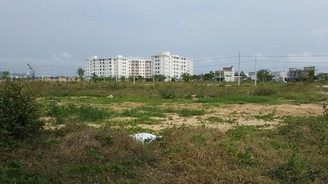 Một dự án chậm tiến độ 5 - 7 năm và trực tiếp làm cho mỹ quan đô thị của Đà Nẵng bị ảnh hưởng nghiêm trọng do ở vị trí trung tâm.