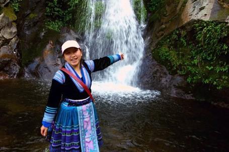 Cô gái người Mông được Forbes Vietnam vinh danh - ảnh 1