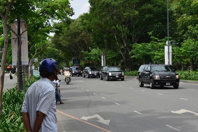 Cadillac One cua Tong thong Obama tren duong pho Sai Gon hinh anh 9