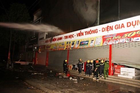 Cháy siêu thị điện máy lớn bậc nhất tỉnh Quảng Trị - ảnh 3