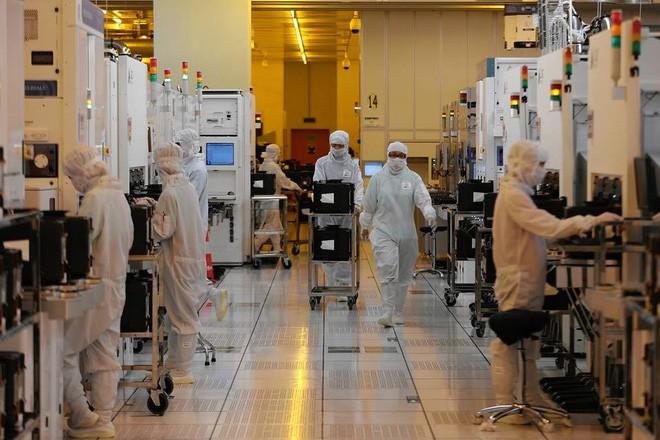 Trung Quốc đang tăng cường đầu tư cho các nhà máy ngành công nghệ và bán dẫn