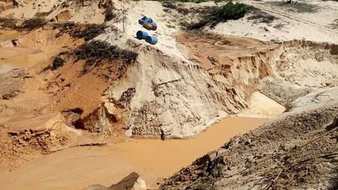 Vỡ bờ moong khai thác titan ở Bình Thuận - ảnh 1