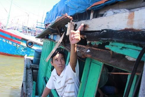 Tàu Trung Quốc tông tàu cá Quảng Ngãi ở Hoàng Sa - ảnh 3