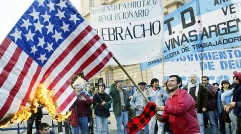 'Kền kền Mỹ' và chuyện kiếm lời 1.200% trên nợ nước ngoài - ảnh 1