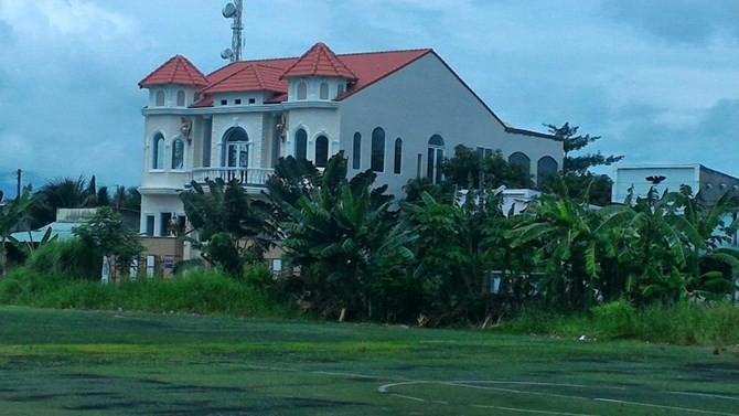 Cần Thơ: Nữ Việt kiều xây biệt thự bất chấp chính quyền xử phạt
