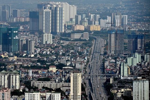 Một trong những khu vực cũng phát triển mạnh không kém là quận Hoàng Mai, Thanh Trì với dày đặc các dự án nhà ở thương mại tầm trung.