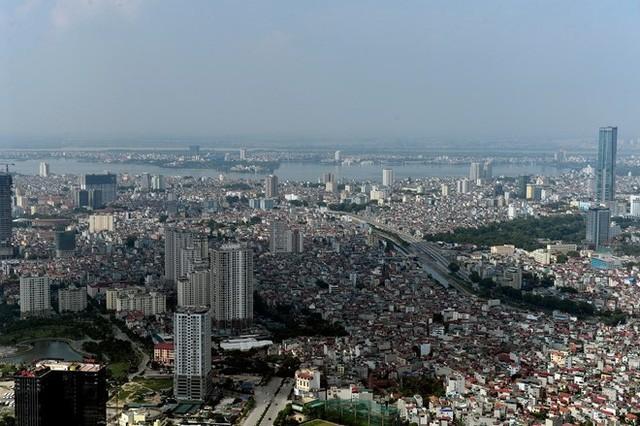 Khu vực hồ Tây và các quận Ba Đình, Tây Hồ, Cầu Giấy. Trong hai năm gần đây đã mọc lên tòa nhà cao thứ nhì Việt Nam - Lotte.