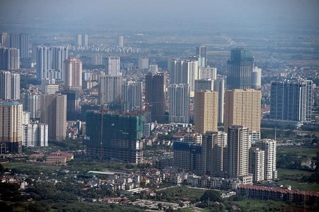 Xa hơn là quận Hà Đông, một trong những nơi phát triển các tòa chung cư, khu đô thị mạnh nhất Hà Nội thời điểm này.