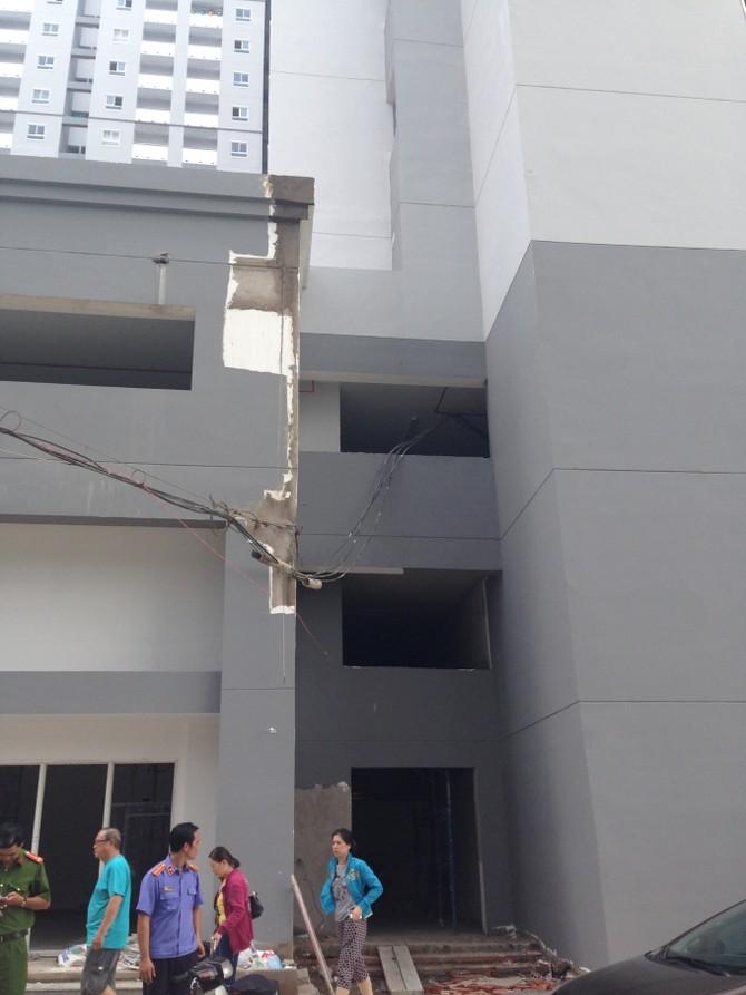 Quan sát bằng mắt thường, bất cứ ai cũng có thể thấy, đây là chung cư đang trong quá trình xây dựng.
