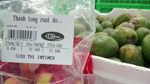 Giá thanh long tại siêu thị Intimex Hà Nội ngày 27/7/2016