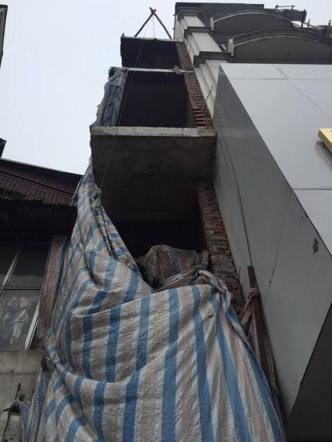 Ngôi nhà siêu mỏng vẫn được cấp phép 4 tầng 1 tum