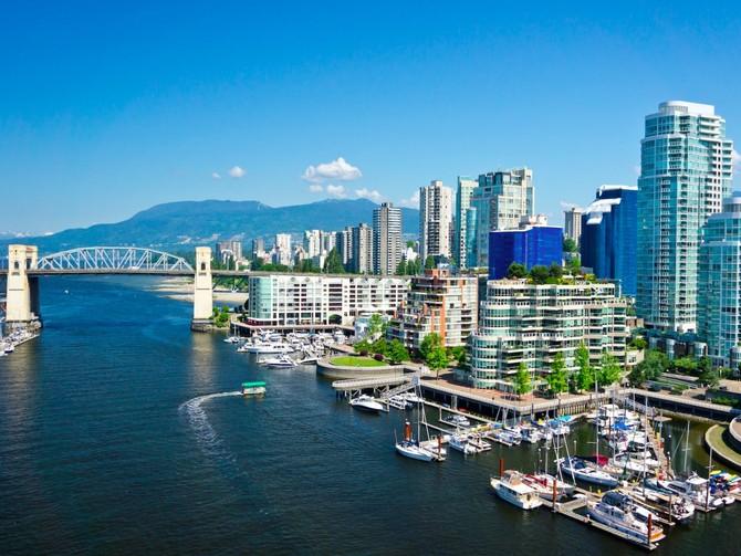 3. Vancouver, Canada - Các thành phố lớn của Canada đã nhận được 100 cho văn hóa và môi trường, y tế, giáo dục và điểm số gần như hoàn hảo cho sự ổn định.