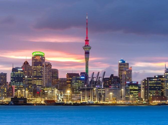 8. Thành phố Auckland, New Zealand - Thành phố ghi dấu đầy đủ cho giáo dục nhưng suýt là thứ bảy trong bảng xếp hạng do một số điểm là 92,9 cho cơ sở hạ tầng.