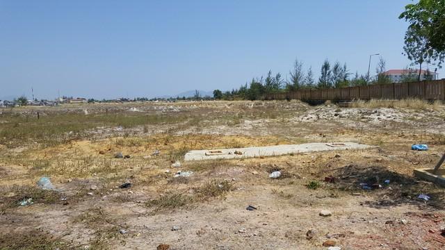 Đất sạch đã được chuẩn bị nhưng vắng bóng nhà đầu tư