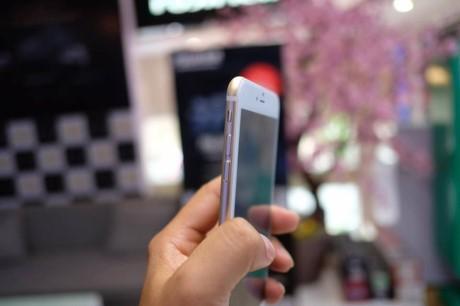 Vua xuat hien iPhone 7 Plus 'nhai' tai Viet Nam: gia chi 2 trieu, chay nen tang Android - Anh 3