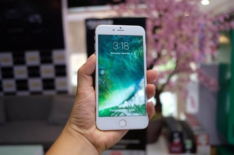 Vua xuat hien iPhone 7 Plus 'nhai' tai Viet Nam: gia chi 2 trieu, chay nen tang Android - Anh 4