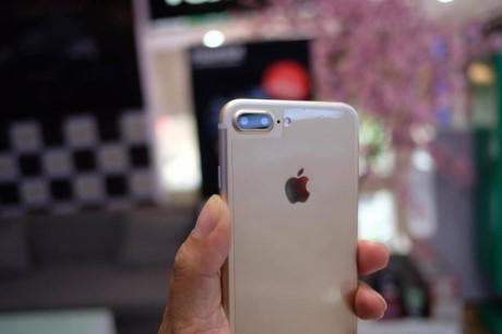 Vua xuat hien iPhone 7 Plus 'nhai' tai Viet Nam: gia chi 2 trieu, chay nen tang Android - Anh 5