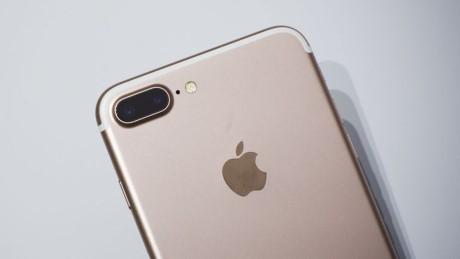 Apple dang 'cau' nguoi dung mua iPhone 7 Plus - Anh 2