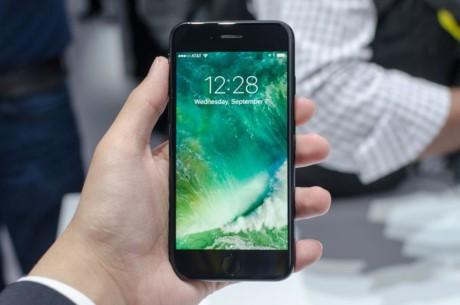 Apple dang 'cau' nguoi dung mua iPhone 7 Plus - Anh 3