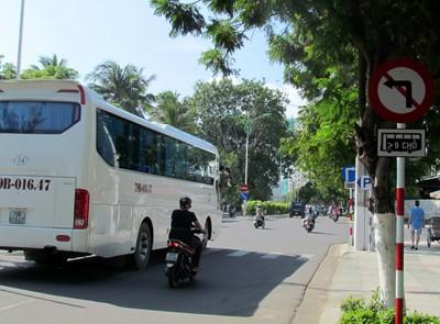 Dung san bay Nha Trang 'giai cuu' duong un tac - Anh 6