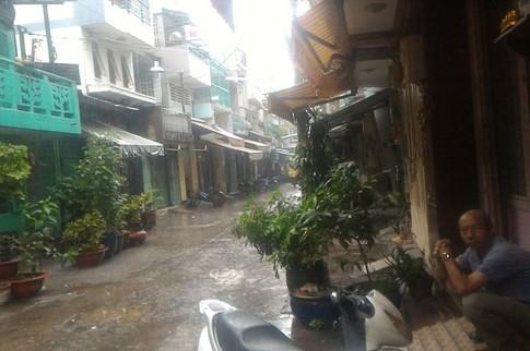 Sài Gòn mưa tầm tã sáng nay, người người khốn khổ - ảnh 14