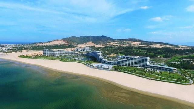 Quần thể du lịch nghỉ dưỡng FLC Quy Nhơn - một trong những quần thể nghỉ dưỡng mới đưa vào hoạt động.