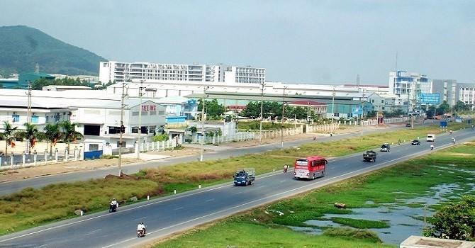 Bất động sản công nghiệp hưởng lợi nhờ giá nhân công Việt Nam bằng nửa Trung Quốc