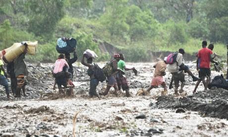 Bao kinh hoang tan pha Haiti, 261 nguoi thiet mang - Anh 12