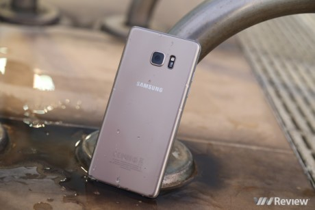 Nhin tu cau chuyen Galaxy Note 7: Samsung van duoc huong loi - Anh 4
