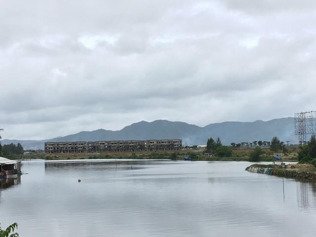 Dự án nhìn từ xa, được bao quanh bởi một con sông rất nên thơ