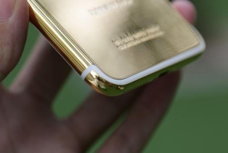 iPhone 7 Plus ma vang gia 180 trieu ve Viet Nam - Anh 4
