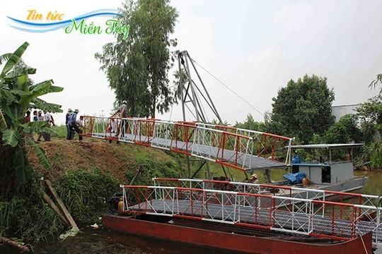 Một nông dân chế ra kiểu xây cầu siêu nhanh, siêu rẻ!