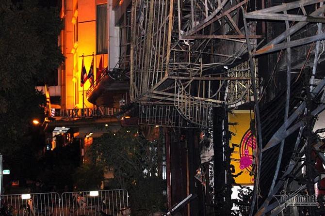 Cháy nổ, kiến trúc sư, PCCC, trang bị PCCC, cháy lớn ở Trần Thái Tông, cháy quán karaoke