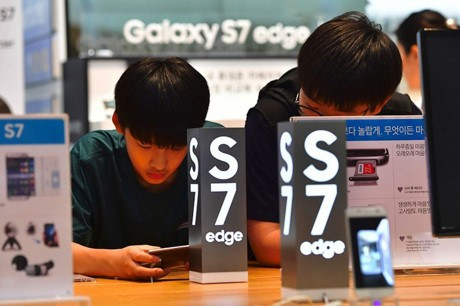 Apple chiem toan bo loi nhuan thi truong smartphone - Anh 2
