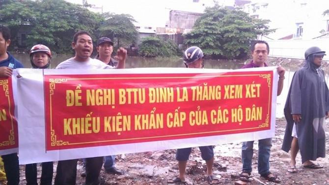 Người dân đòi quyền lợi tại dự án chung cư Phúc Yên