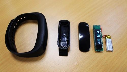 smartband-kem-chat-luong-ban-tran-lan-2