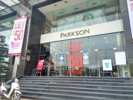 Black Friday buon cua trung tam Parkson cuoi cung o Ha Noi - Anh 1