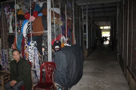 Ha Tinh: Hang tram tieu thuong ngung kinh doanh de bai thi - Anh 6