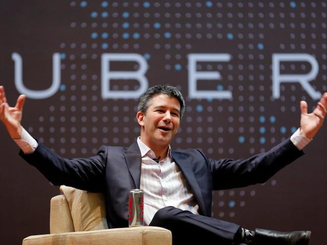 <b>1. Uber</b></div> <div><i>Mức vốn hóa: 68 tỷ USD</i></div> <div>Uber là công ty khởi nghiệp đắt giá nhất không chỉ ở Mỹ mà trên toàn thế giới, vượt đối thủ toàn cầu gần nhất là Xiaomi của Trung Quốc tới hơn 20 tỷ USD về mức vốn hóa.</div> <div>Ứng dụng chia sẻ xe này đã huy động được nhiều tỷ USD trong năm 2016, bao gồm 3,5 tỷ USD từ một quỹ đầu tư của Saudi Arabia và 2 tỷ USD dưới dạng vốn vay. Ngoài ra, Uber còn đạt một thỏa thuận với đối thủ Trung Quốc Didi Chuxing, theo đó Didi rót 1 tỷ USD vốn đầu tư vào Uber, còn Uber bán lại hoạt động tại Trung Quốc cho Didi trong một vụ sáp nhập trị giá 35 tỷ USD.</div> <div>Hiện nay, Uber đang tập trung vào thử nghiệm xe không người lái và đẩy mạnh cạnh tranh với các ứng dụng chia sẻ xe khác tại khu vực Đông Nam Á.</div> <div>Ảnh: CEO Travis Kalanick của Uber - Nguồn: Reuters.