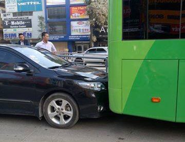 Lan lan, xe bien xanh huc duoi buyt nhanh BRT - Anh 3
