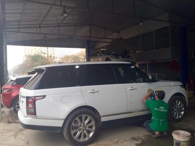 Đại gia Việt lái siêu xe xếp hàng 'spa' làm đẹp đón tết