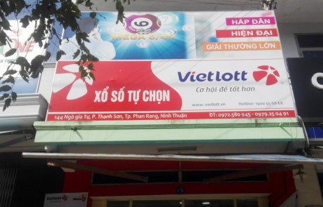 Ninh Thuan 'nong mat' voi Vietlott va ve so mien Nam - Anh 2