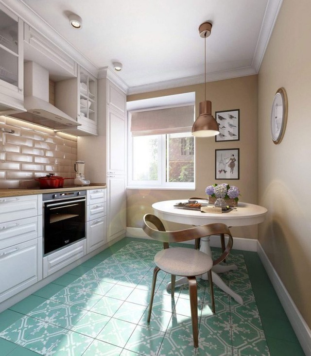Không cần quá nhiều diện tích và bày biện nhiều đồ dùng, vật dụng, chủ nhân của căn hộ khá khéo léo trong việc tiết chế nội thất, vật dụng để căn bếp được gói gọn ở khoảng diện tích nhỏ nhất có thể.