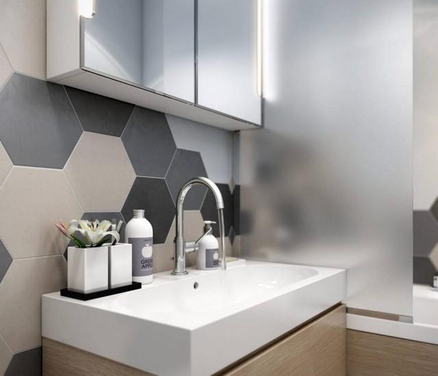 Toàn bộ phòng tắm được trang trí màu sắc đơn giản, lựa chọn nội thất, vật dụng cần thiết giúp cho không gian thư giãn thêm thoáng và tiện dụng.