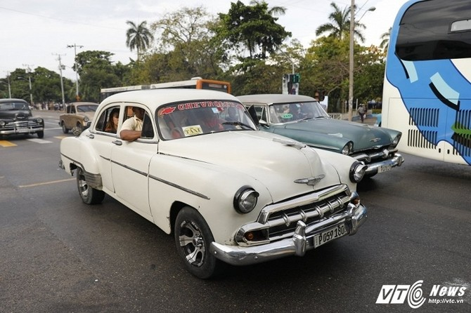 Hinh anh O to o Cuba, nhung co may thoi gian 8