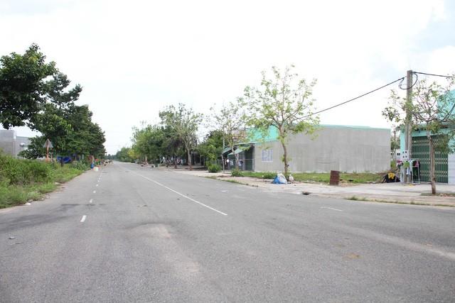 Qua khảo sát cho thấy giá đất ở khu Mỹ Phước II và III hiện nay được chào bán khoảng 4-6 triệu đồng/m2, thấp hơn thời điểm 2010-2012 khoảng 8 triệu đồng/m2, nhưng giao dịch không có.