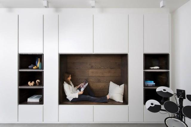 Không gian đọc sách tuyệt vời cho chủ nhà.
