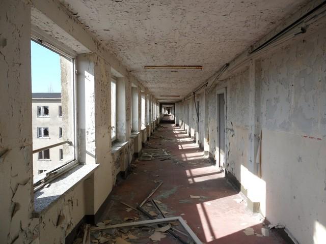 Từ khu nhà bỏ hoang nhiều thập kỷ đang biến thành khu nghỉ dưỡng tuyệt đẹp trên bãi biển, căn hộ có giá nửa triệu đôla - Ảnh 4.