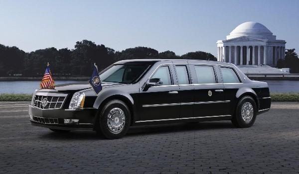 Chiếc Limousine bọc thép được sử dụng để hộ tống Tổng thống Mỹ Barack Obama